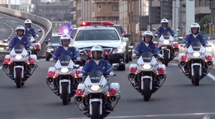ドナルド・トランプ大統領の移動を護衛する車列の動画が話題に(海外の反応)