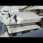 日本の豪雪地帯での雪下ろしの動画が海外で話題に(海外の反応)